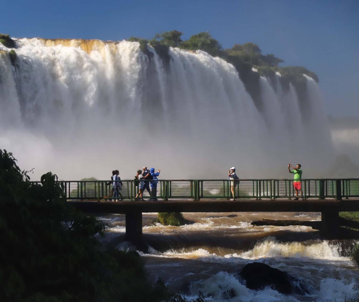Setor de turismo mostra recuperação com ocupação da hotelaria em Foz do Iguaçu