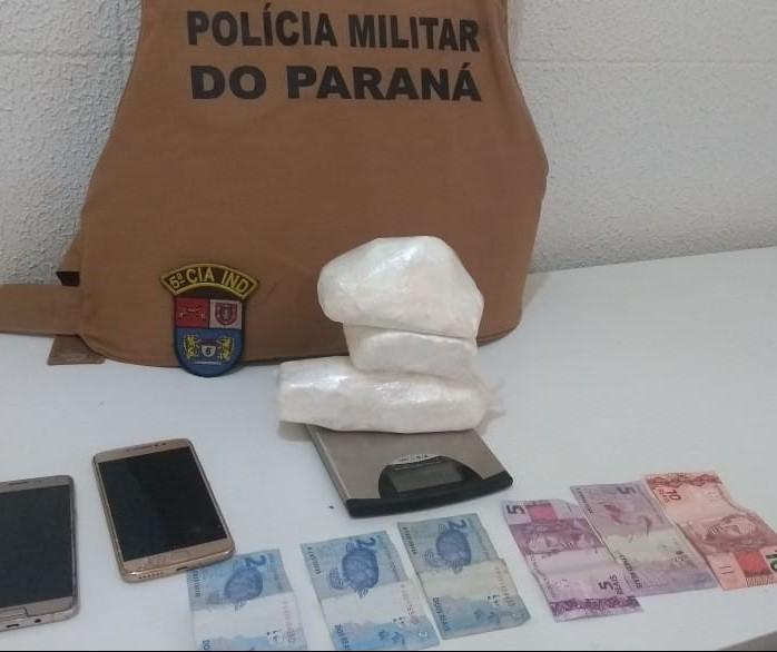 Polícia prende suspeitos e apreende cocaína na PR-323