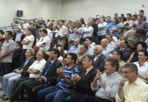 População lota Câmara Municipal para acompanhar a diplomação do prefeito, vice e vereadores eleitos em Maringá