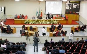 Mesa executiva da Câmara de Maringá apresenta na próxima semana projeto de lei para mudar horário das sessões para às 19h30