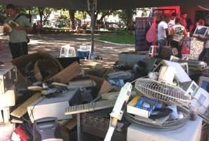 Campanha instala ponto de coleta de lixo eletrônico no centro de Maringá