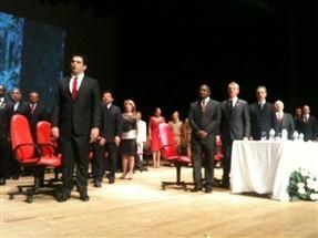 Em cerimônia marcada por discursos emocionados tomaram posse, nessa terça-feira, o prefeito e o vice- prefeito de Maringá