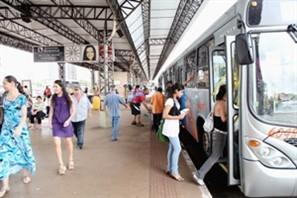 Número de usuários do transporte coletivo aumentou nos primeiros quatro meses do ano em Maringá