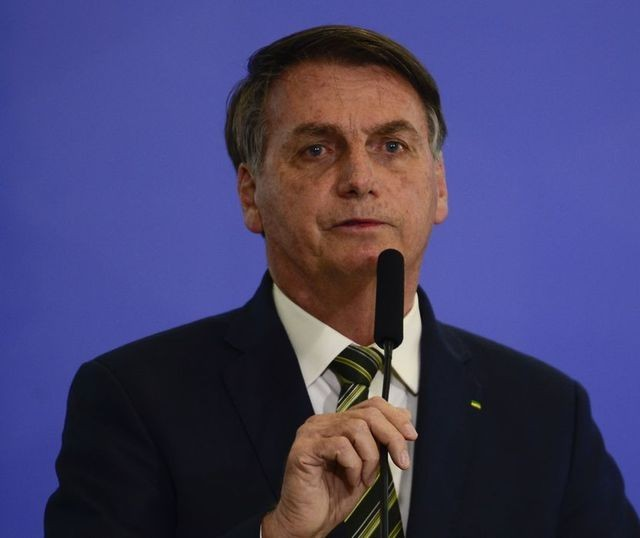 Pesquisa indica que Bolsonaro é favorito em 2022