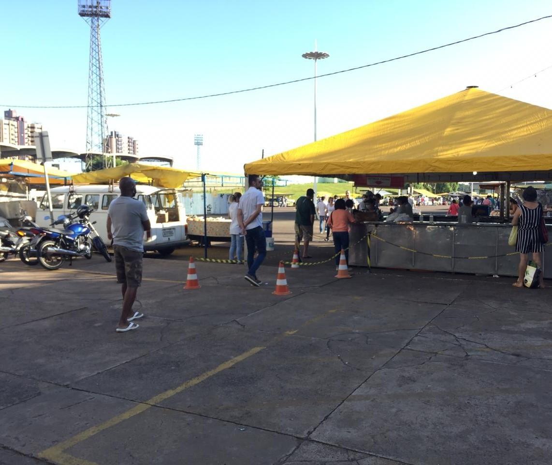 Feira do produtor volta a funcionar em Maringá