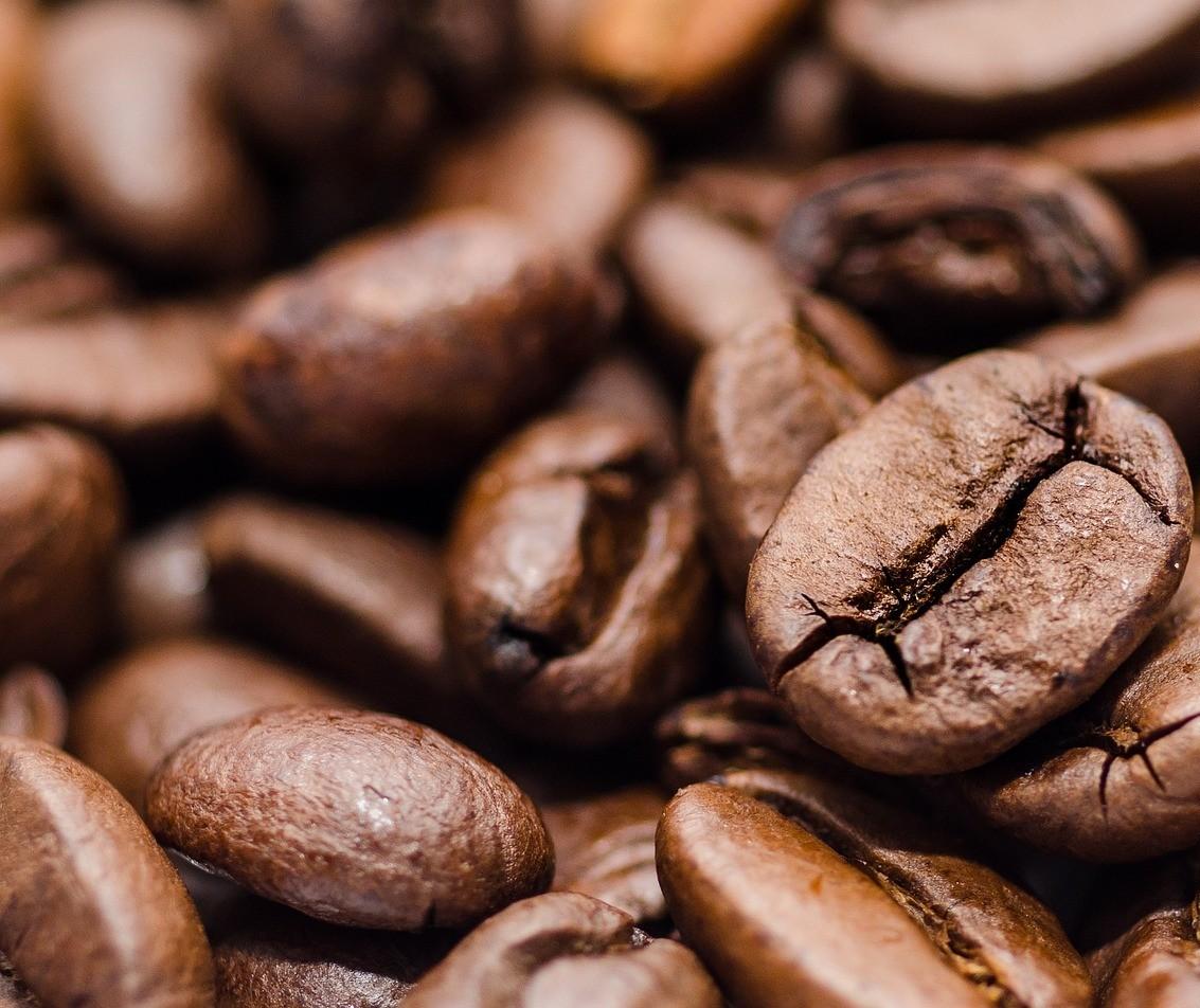 Brasil exporta 4,1 milhões de sacas de café e bate novo recorde histórico para o mês de outubro