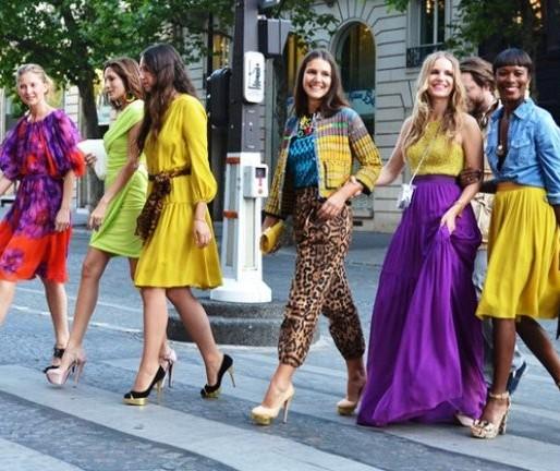 Tendências neon e color block fizeram sucesso nos fashion weeks