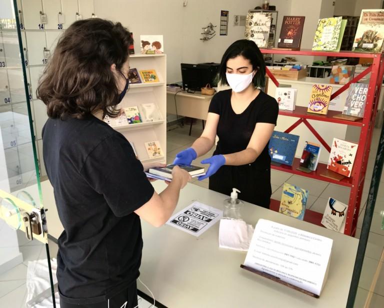 Novo decreto libera espaços expositivos e funcionamento das bibliotecas em Maringá