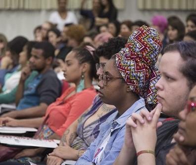 Dos 18 mil alunos da UEM, menos de 3% são indígenas ou negros