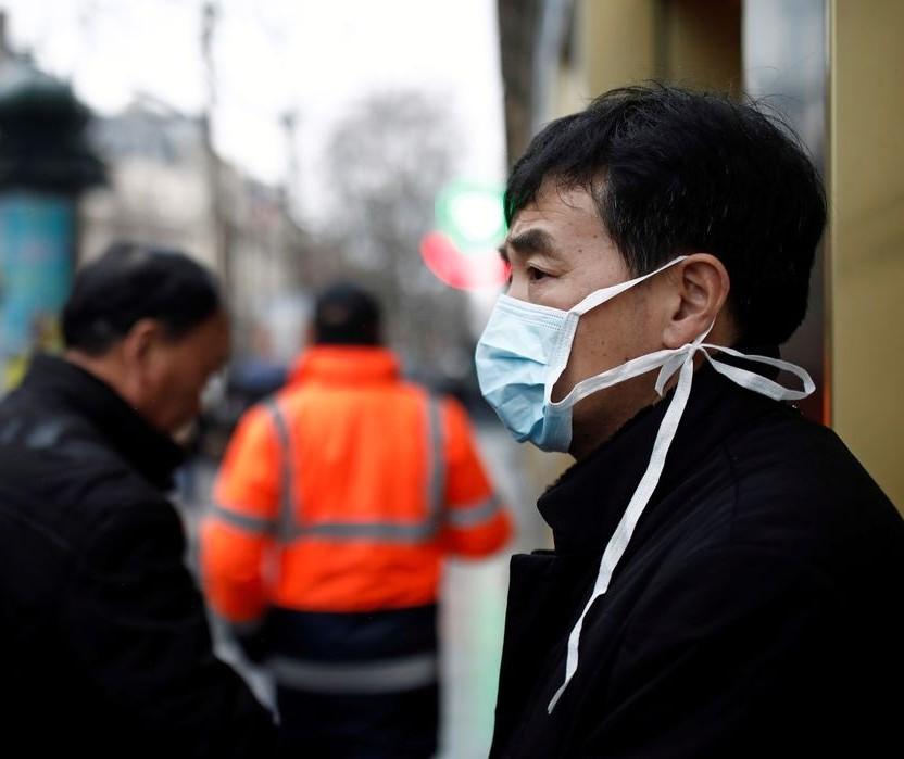 Farmácias estão vendendo mais máscaras e álcool em gel