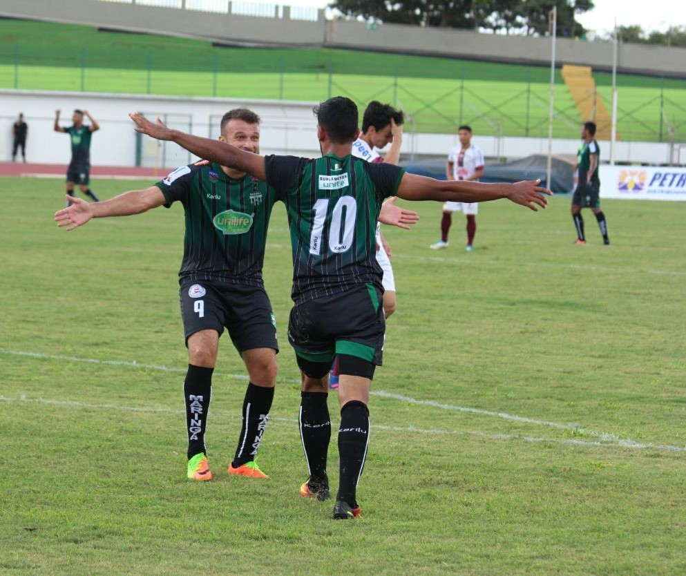 Maringá FC garante primeira vitória no Campeonato Paranaense