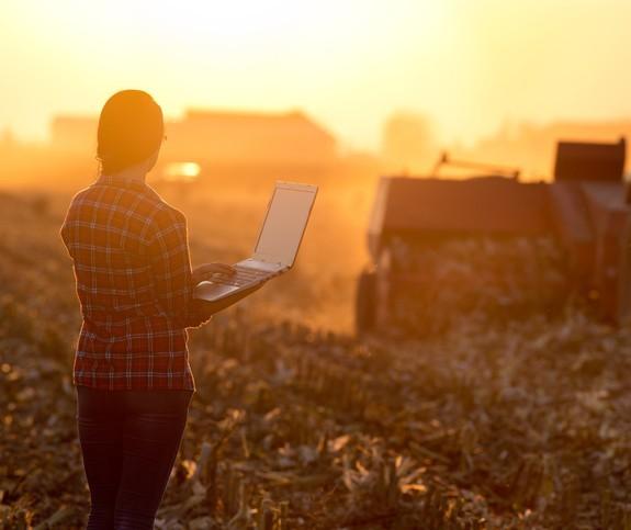 43% das mulheres que trabalham no agronegócio já sofreram preconceito