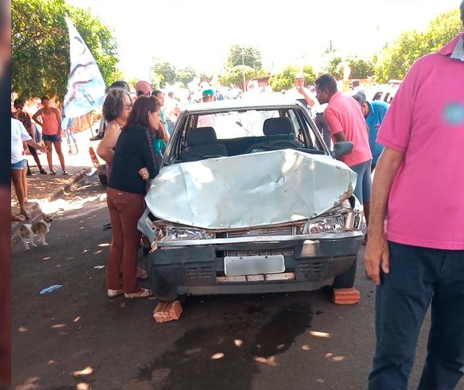 Carro desgovernado atropela nove pessoas durante passeata eleitoral em Centenário do Sul, no Norte do Paraná