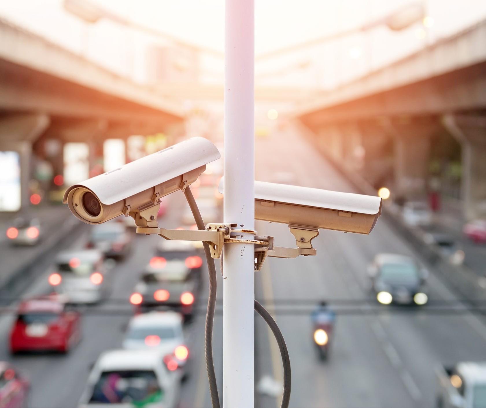Ouvintes questionam contratação de empresa para monitorar trânsito