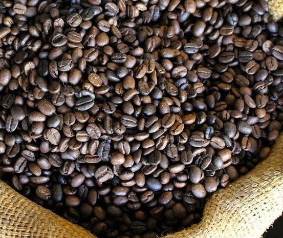 Café em coco custa R$ 6,50 kg