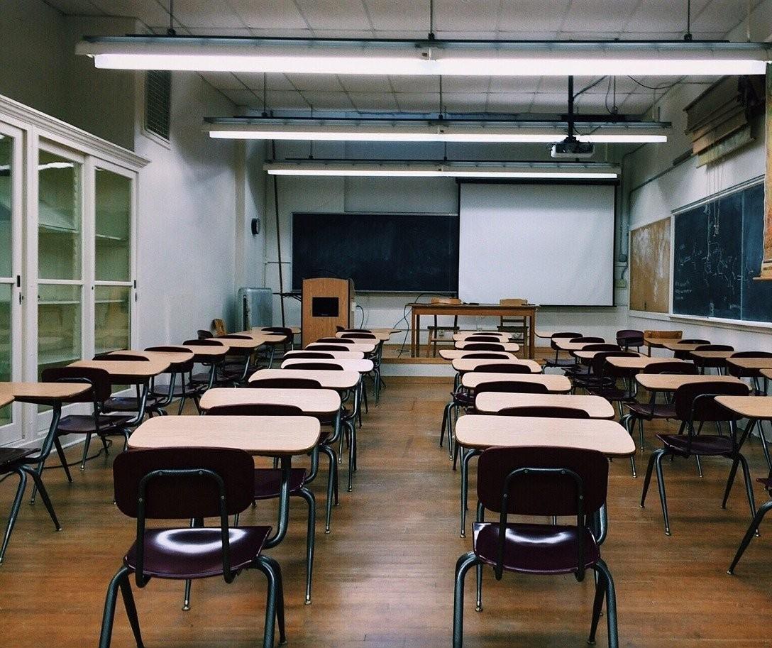 Governo suspende aulas também em escolas particulares no Paraná a partir dessa sexta-feira (20)