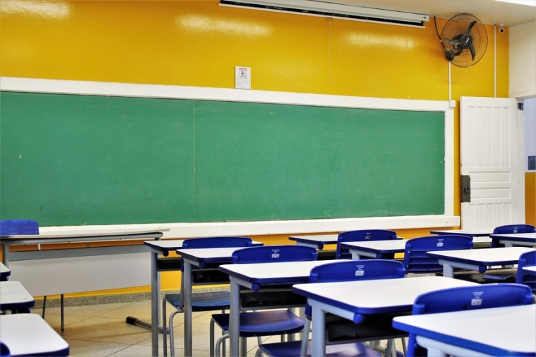 Em duas decisões, juízes têm entendimentos diferentes sobre aulas presenciais