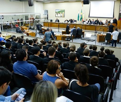 """Vereadores de Maringá querem criar """"chapão"""" para driblar efeitos das novas regras"""
