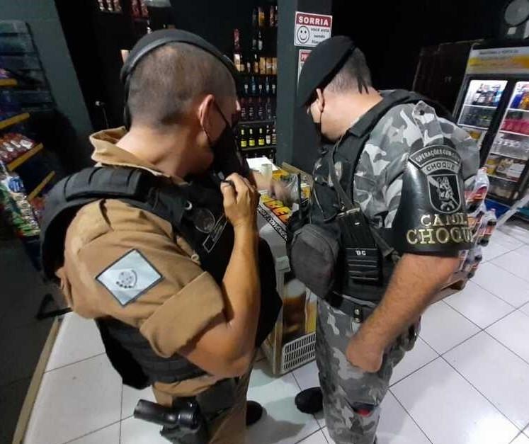 Dono de disque-bebida é preso com cocaína durante fiscalização de decreto em Iguatemi