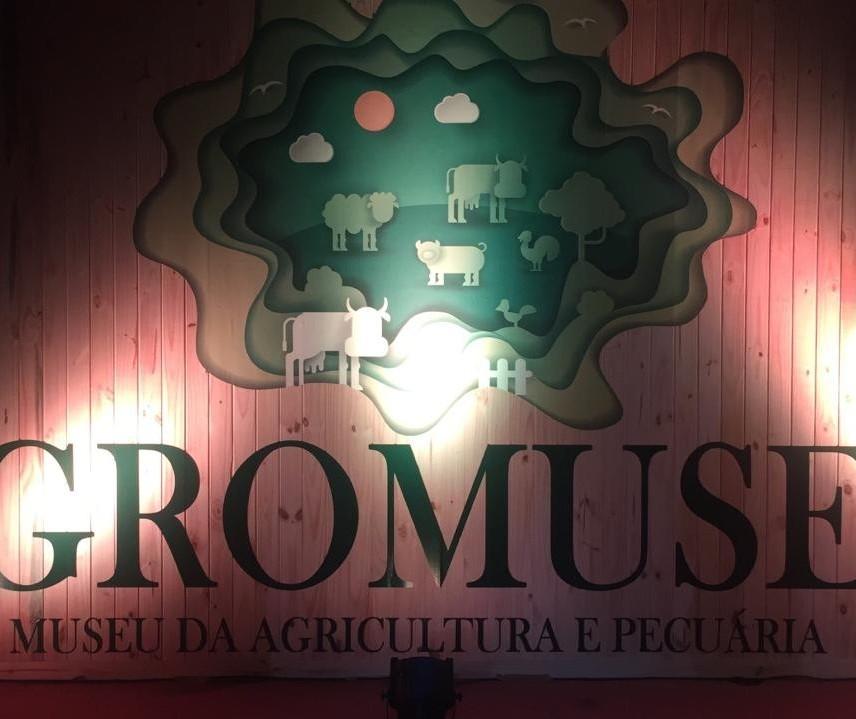 Expoingá lança pedra fundamental do Agromuseu