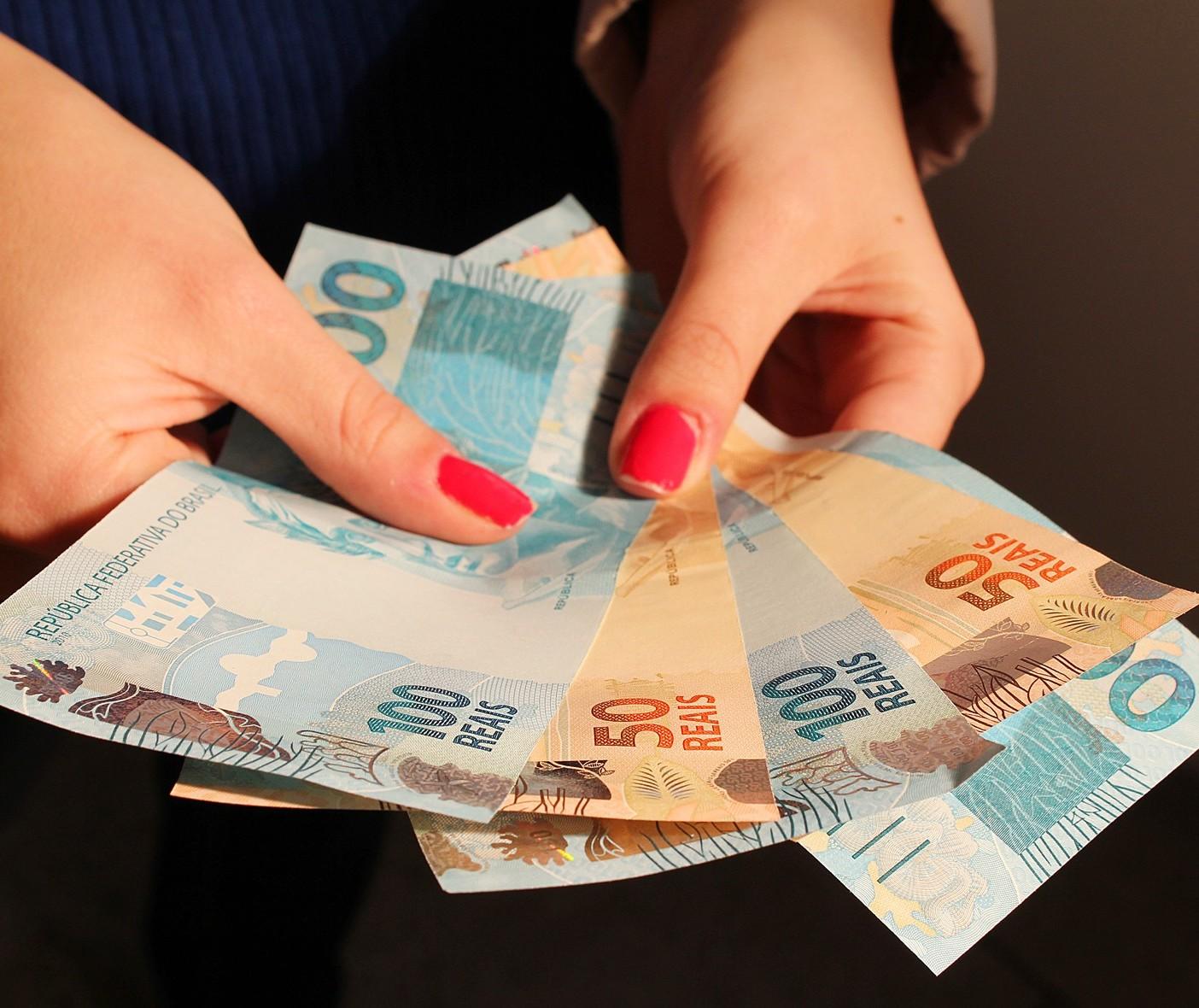 Qual deveria ser o valor do salário mínimo?