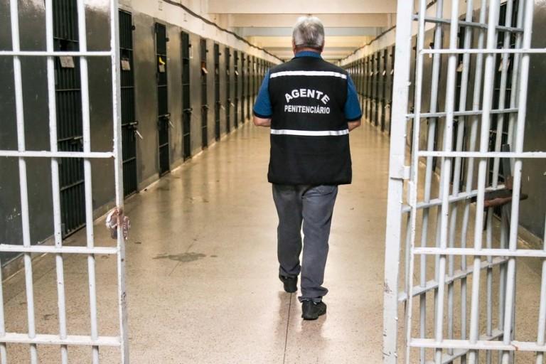 De 34 mil presos no Paraná, três morreram de Covid-19
