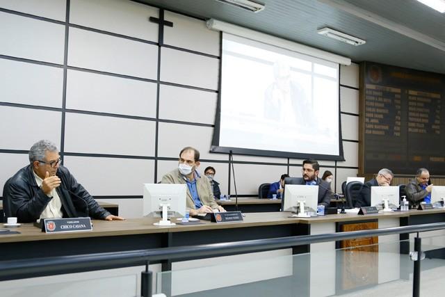 Em primeira reunião, CPI solicita documentos à Prefeitura de Maringá