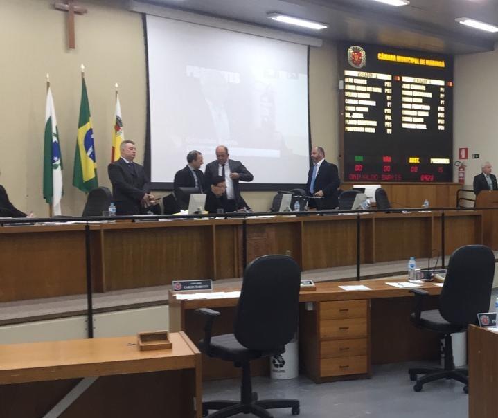 Secretário de Saúde do Paraná diz que não há recursos para continuidade da obra