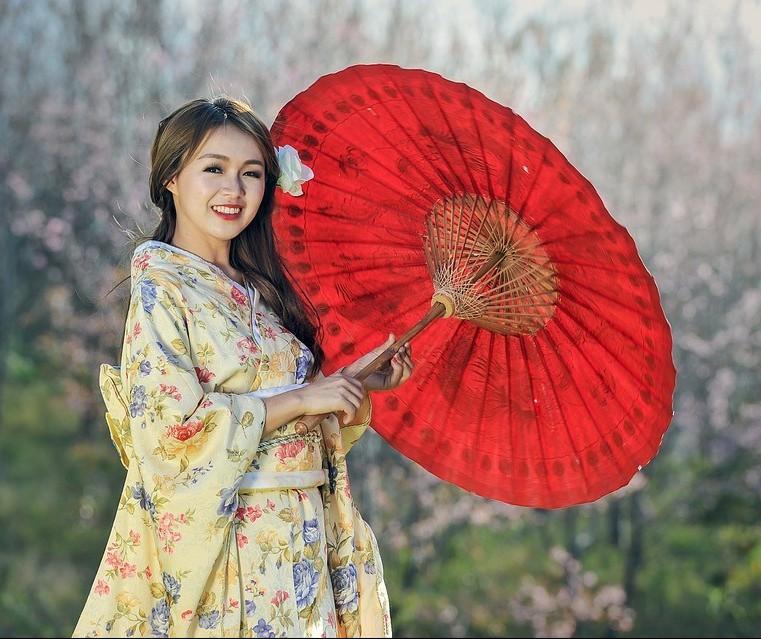 Peças minimalistas e sóbrias marcam a moda japonesa