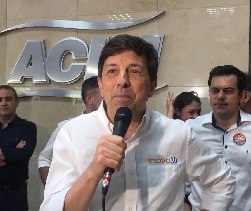 Candidato à Presidência da República visita Maringá