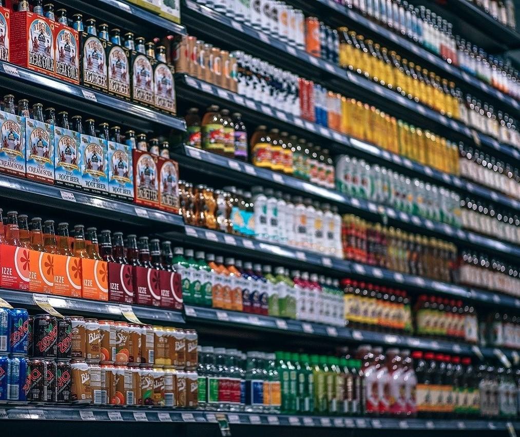 Liminar derruba 'lei seca' para duas redes de supermercados de Maringá