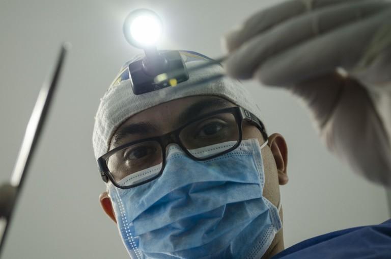 Estresse da pandemia provoca apertamento e inflamação nos dentes