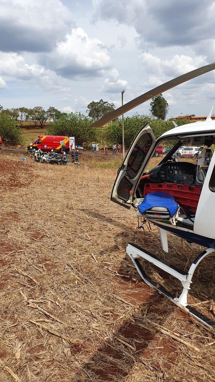 Helicóptero do Samu de Maringá está no local – Foto: Operação Aéreas Samu