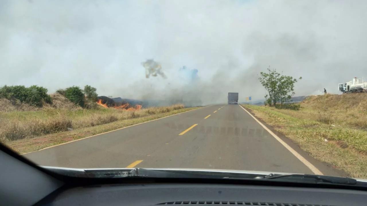 Visibilidade na estrada é baixa – Foto enviada por ouvinte da Maringá FM
