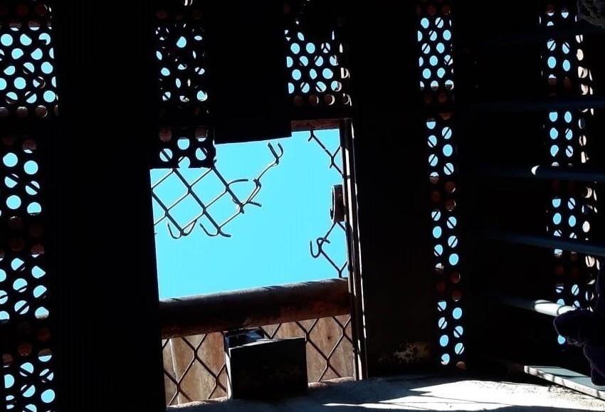 Local por onde os presos fugiram (Foto: PM)