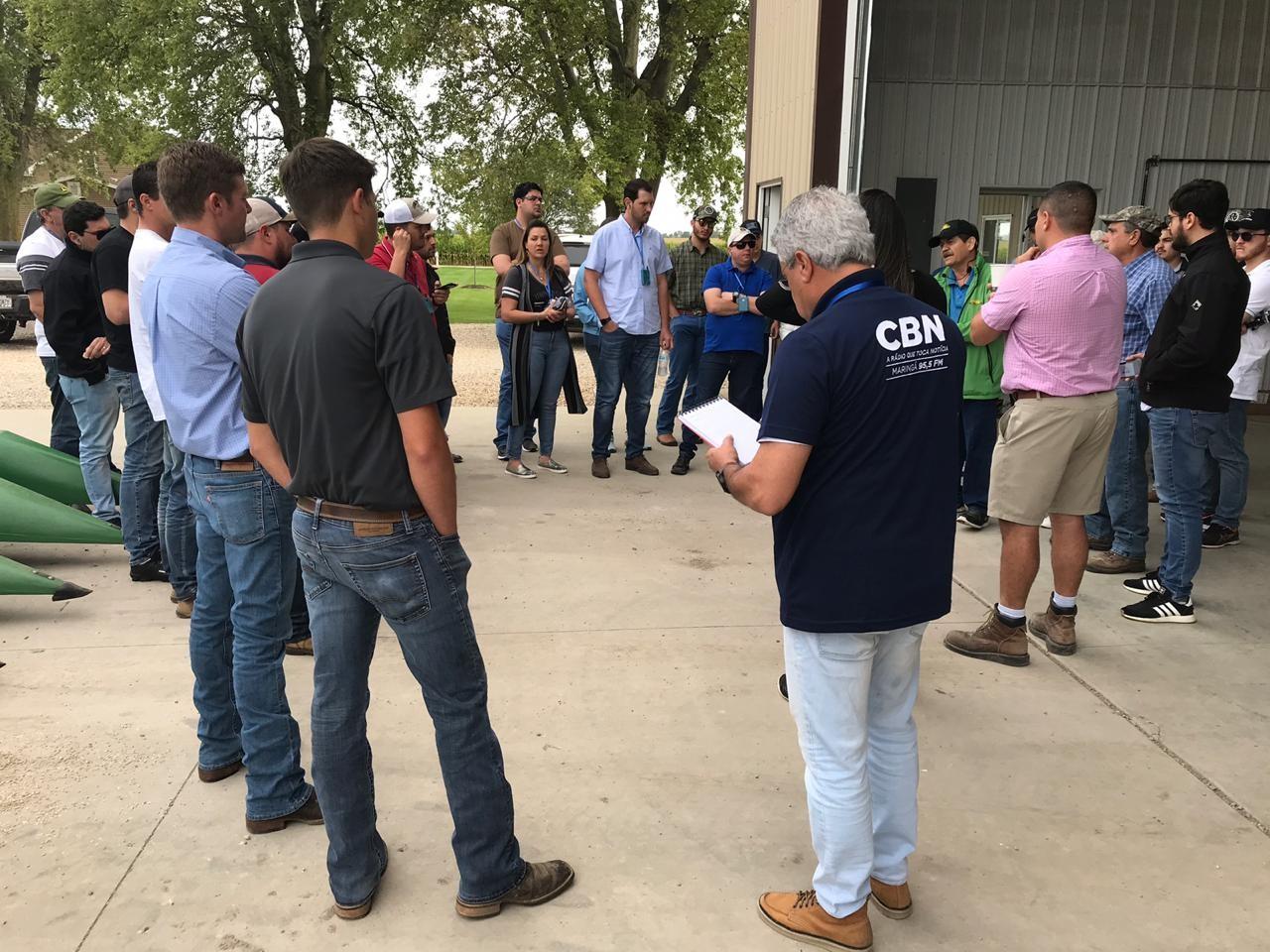Comitiva brasileira em visita à Home Farm, em Bloomington, Illinois, EUA