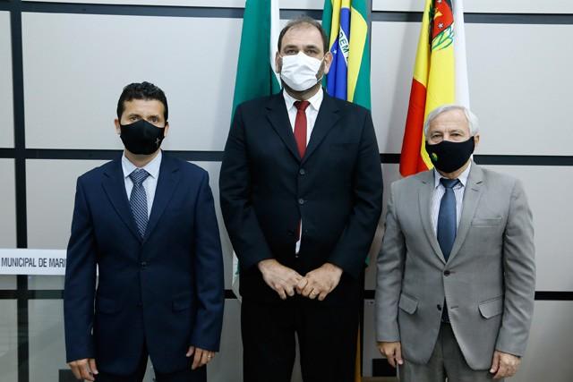 Maninho (membro), Mário Verri (vice) e Onivaldo Barris (presidente) integram a Comissão de Finanças e Orçamento (foto: CMM/divulgação)