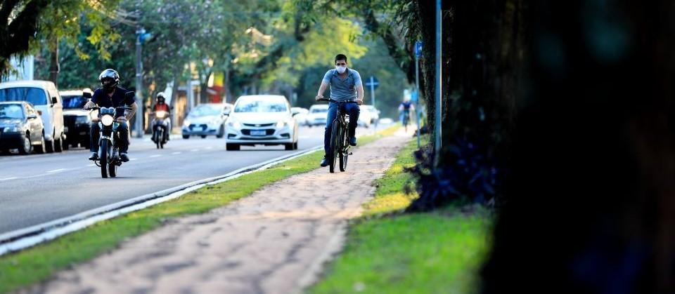 Bikes precisam de segurança e respeito, mas também respeitar