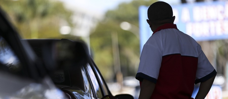MP denuncia dono de posto de combustíveis por promover aglomerações