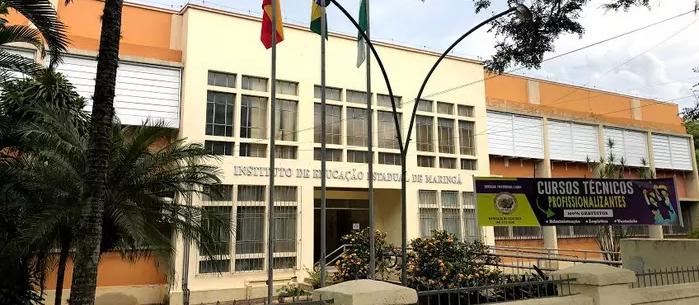 Professor critica Bolsonaro, aluna discorda e tem microfone desligado em Maringá