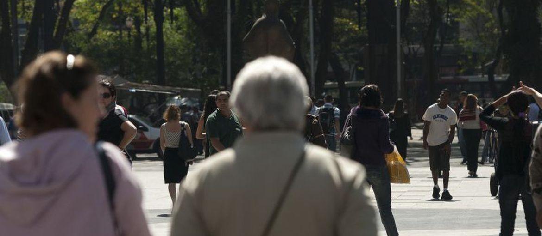 Decisão da OMS de tratar a velhice como doença é equivocada, diz especialista