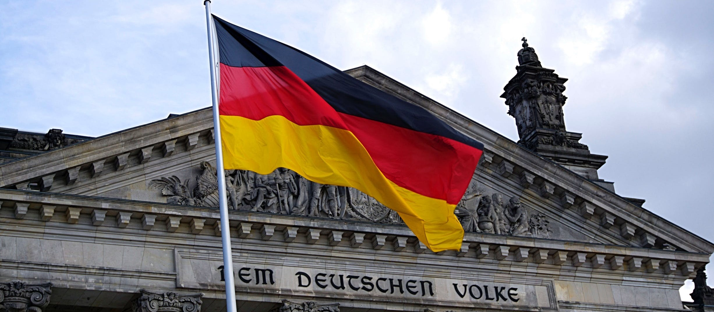 Na Alemanha, governo vai bancar 60% dos salários dos trabalhadores, diz brasileira