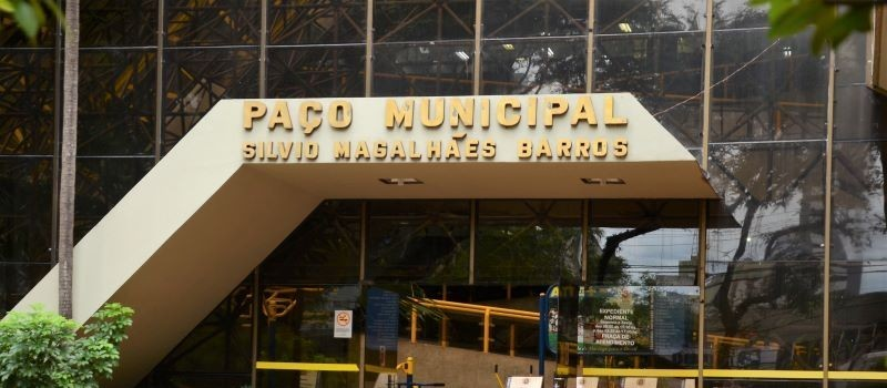 Prefeitura de Maringá quer empréstimo para instalação de 35 tetos solares