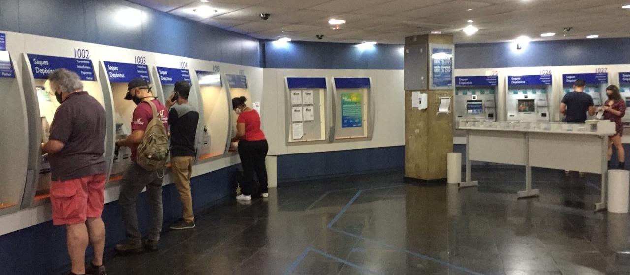 Agência da Caixa abre sem filas neste sábado (13)