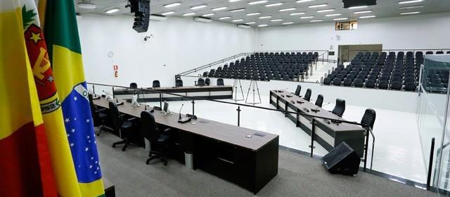 Projeto protocolado na Câmara institui Refis para IPTU e ISSQN
