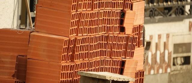 Justiça autoriza abertura de lojas de material de construção em Maringá