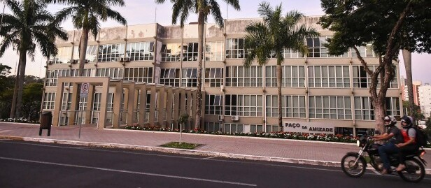 Prefeitura de Umuarama oferece 70 vagas na área de educação