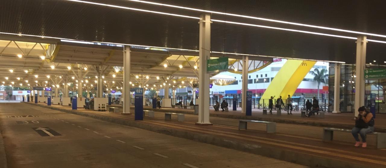 Greve paralisa 100% do transporte urbano e metropolitano em Maringá