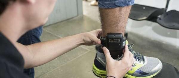Presos com tornozeleira eletrônica terão que voltar para a cadeia