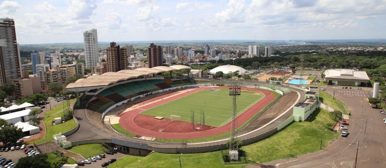 Estádio Willie Davids homenageia personalidade política de Londrina